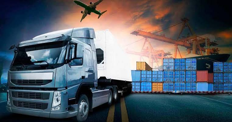 Fluxo de transporte de cargas intensifica em dezembro