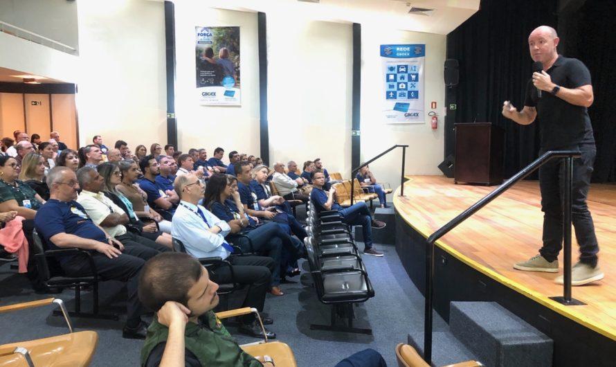 """GBOEX promove palestra """"Extremos"""" para lideranças nacionais"""