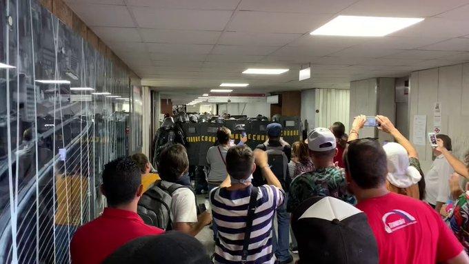 Servidores protestam contra reforma da Previdência na Assembleia de SP