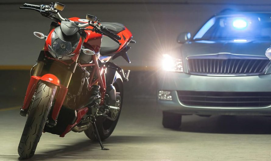 Companhia de assistência e loja de varejo oferecem serviços para Auto e Moto
