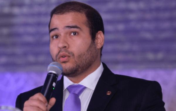 Lucas Vergilio promete investigar ações da superintendente da Susep
