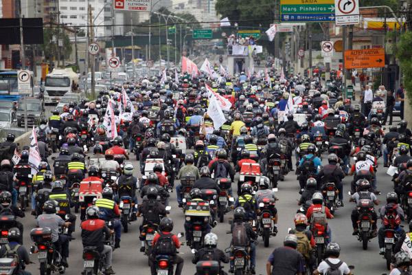 Quais os tipos de seguros exigidos pelos motociclistas de aplicativo?