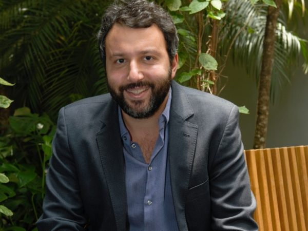 Na semana do Corretor TEx recebe executivo da RBM Seguros