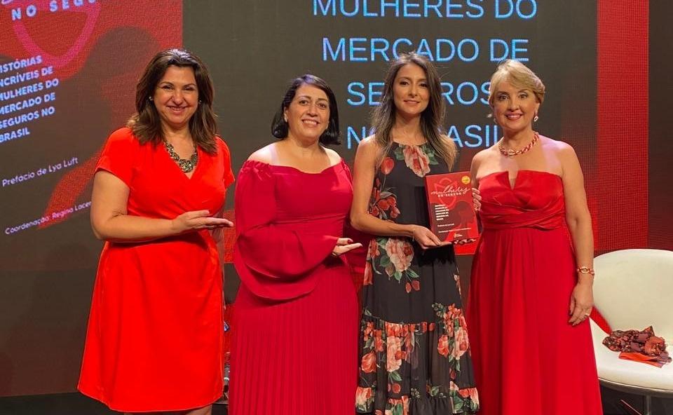 """Em lançamento do livro """"Mulheres no Seguro"""", Vice Presidente Executiva do Seguro PASI, destaca a força das mulheres do mercado"""