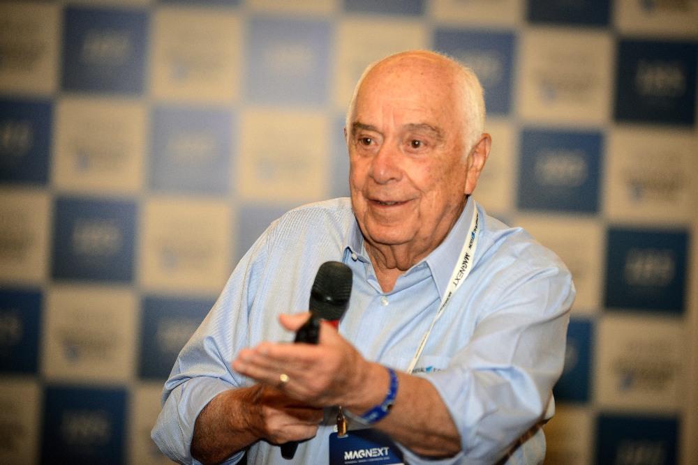 Nilton Molina é o entrevistado do Programa Seguro