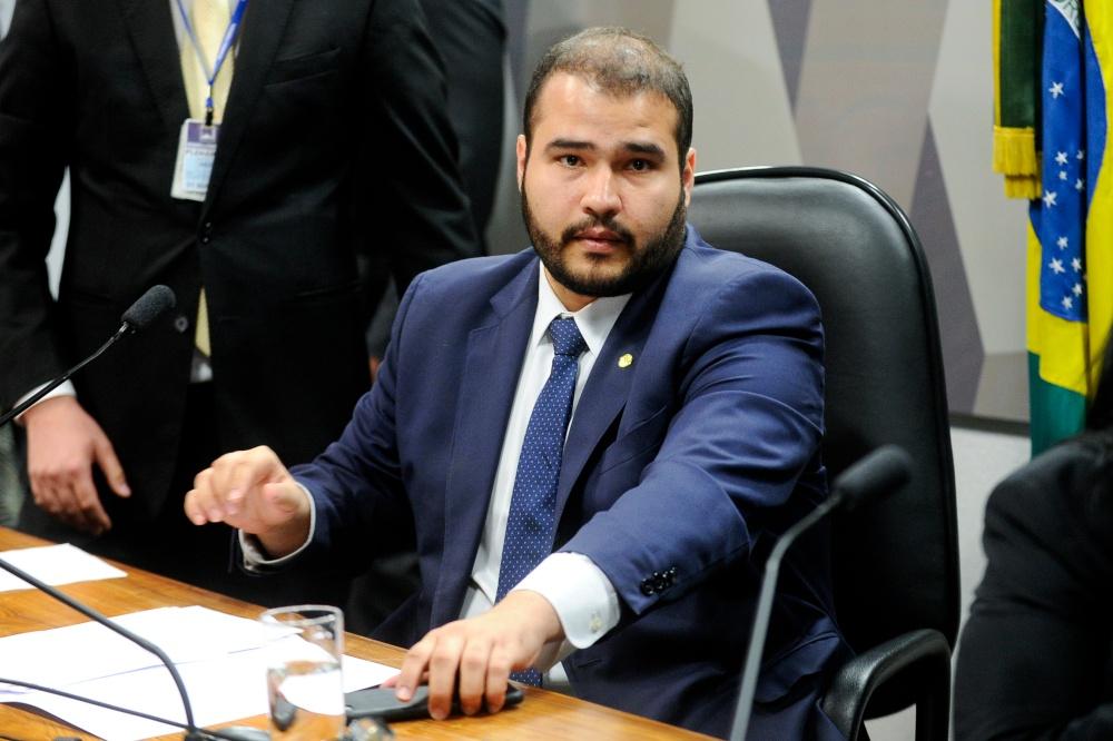 Corretor de seguros, Lucas Vergilio é escolhido líder do partido na Câmara